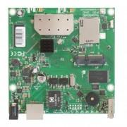 RB912UAG-5HPnD روتربرد سری 900 میکروتیک